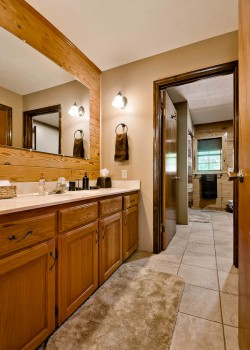 Master bathroom image 2